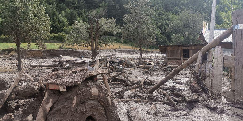 甘肃省甘南藏族自治州发生泥石流